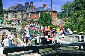 GAYTON - En av våra baser för kanalbåtar i England