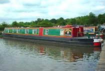 Bild på Swan kanalbåt i England